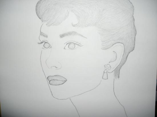 Audrey Hepburn por CutesyKS